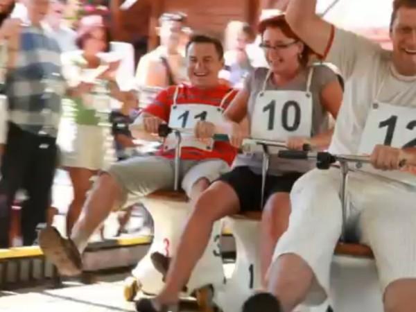 Wyścigowe klozety - jedyna w Polsce atrakcja, gdzie ścigając się z koleżanką lub kolegą można zdobyć Prawo Jazdy na Klozet!