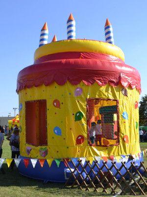 Zamek do skakania wynajem - Tort urodzinowy