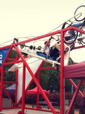 Atrakcja na imprezy, kręci kółka jak rollercoaster 7 metrów nad ziemią. Wynajem wraz z obsługą.